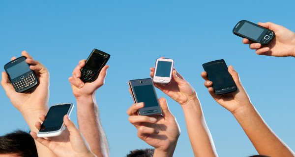 Мобильные операторы России предупредили абонентов о повышении тарифов с января
