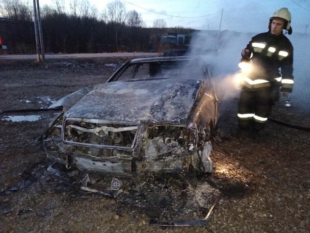 В Коми сгорели Fiat и Mercedes