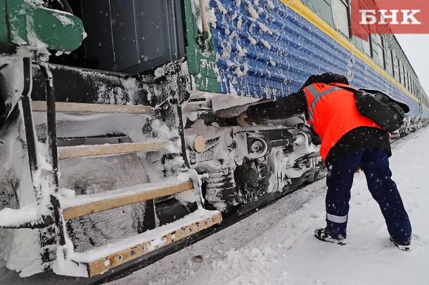 Сотрудники двух железнодорожных станций Коми работали без средств индивидуальной защиты