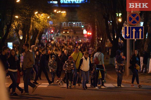 День Победы в столице Коми завершился праздничным салютом